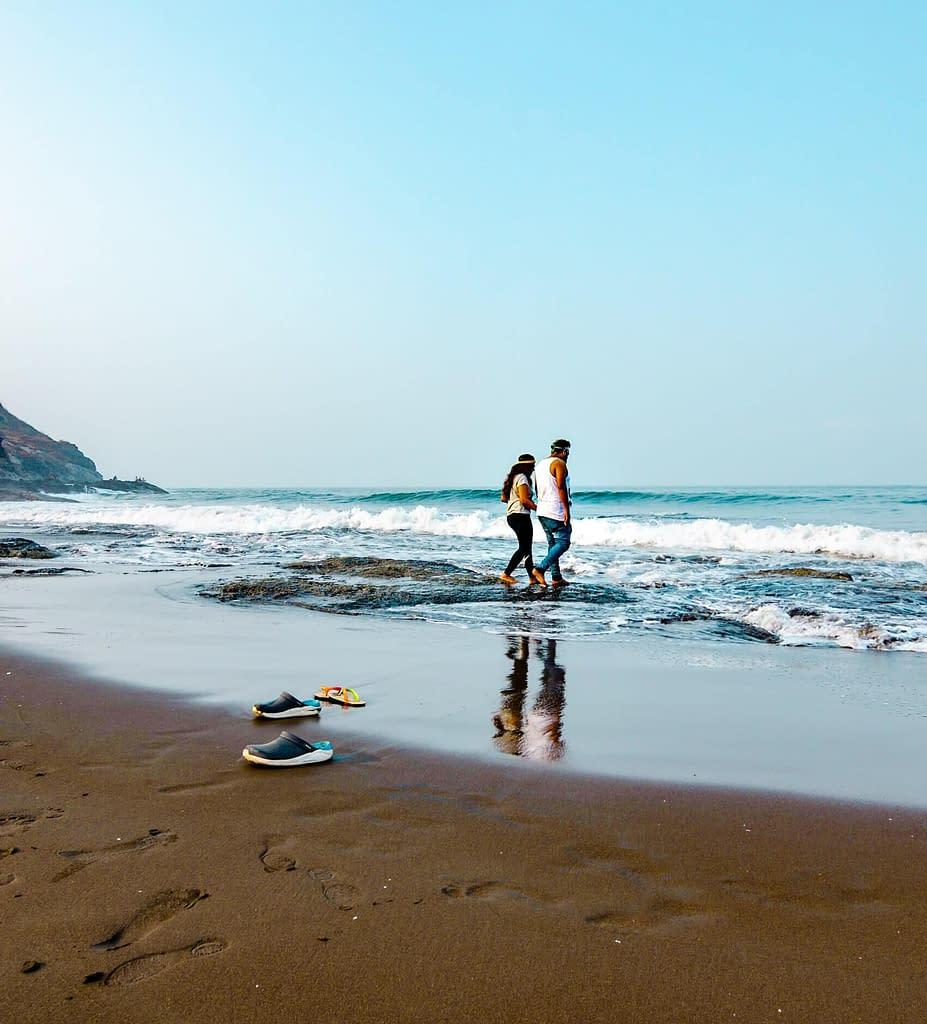 Velas beach_travel couple