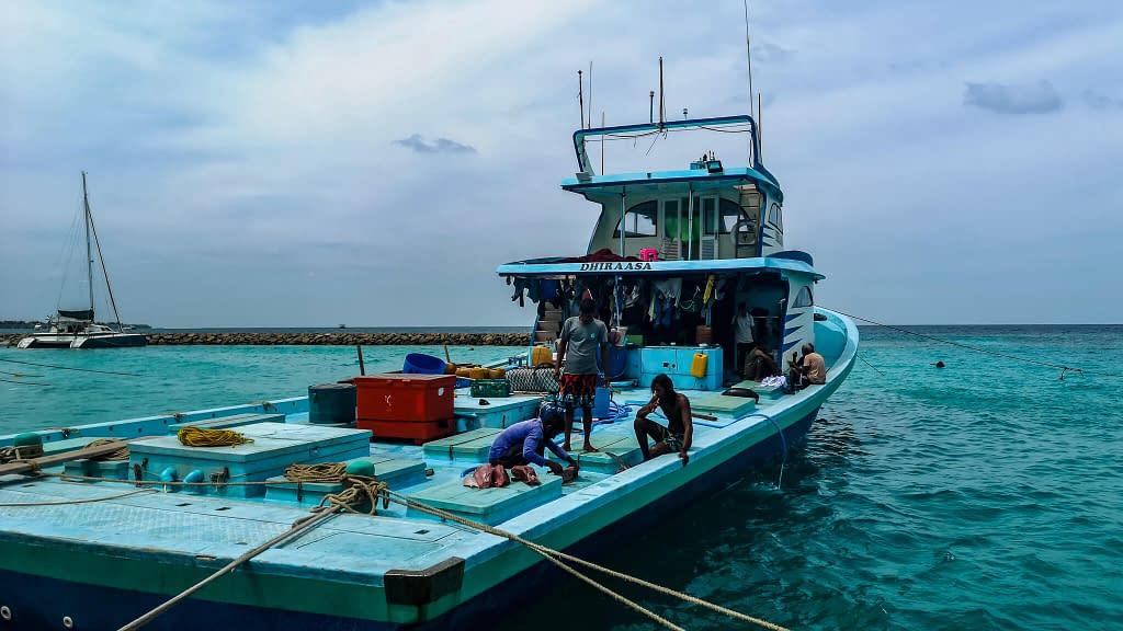 fishermanboat_maldives_fishing